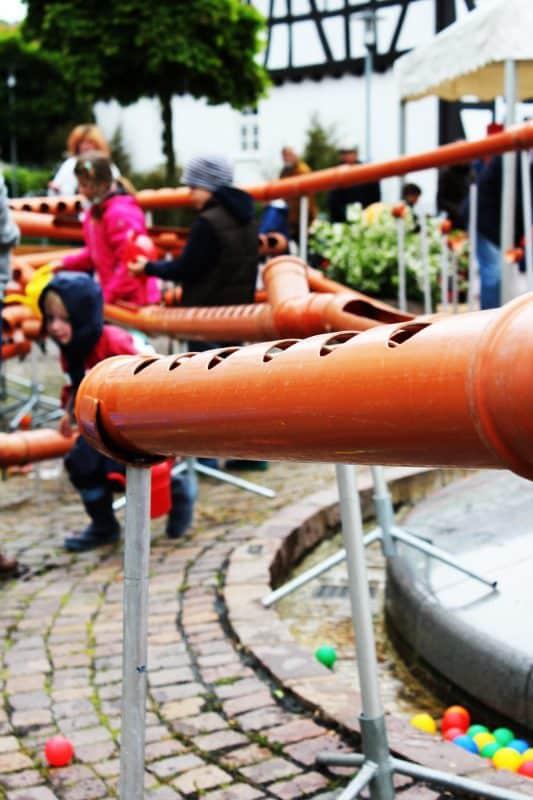 Wasserbaustelle für Kinder