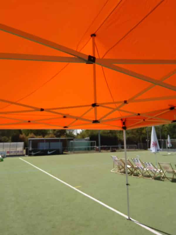 Pavillon orange Stangen innen