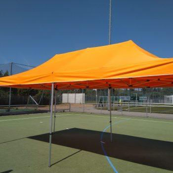 Pavillon in Orange