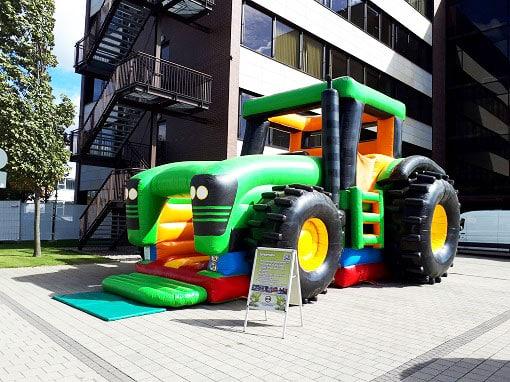 Huepfburg Traktor Active Center