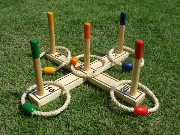 Ringwurfspiel aus Holz